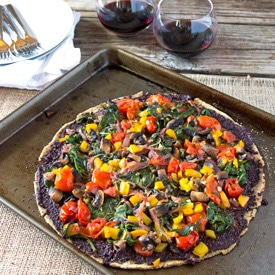 Spinach, Tomato and Olive Flatbread Pizza