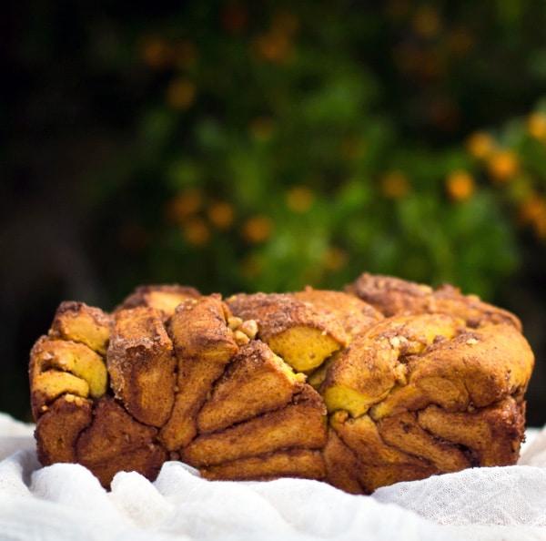 Pumpkin Cinnamon Pull Apart Bread I foolproofliving.com