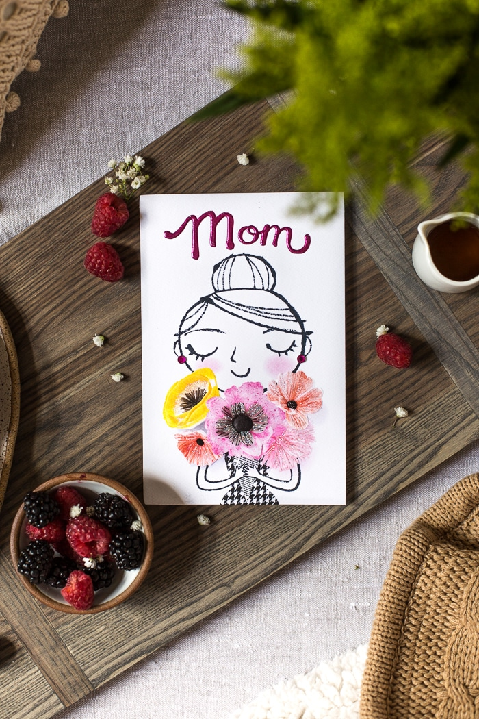 A greeting card to serve with on Mother's Day breakfast