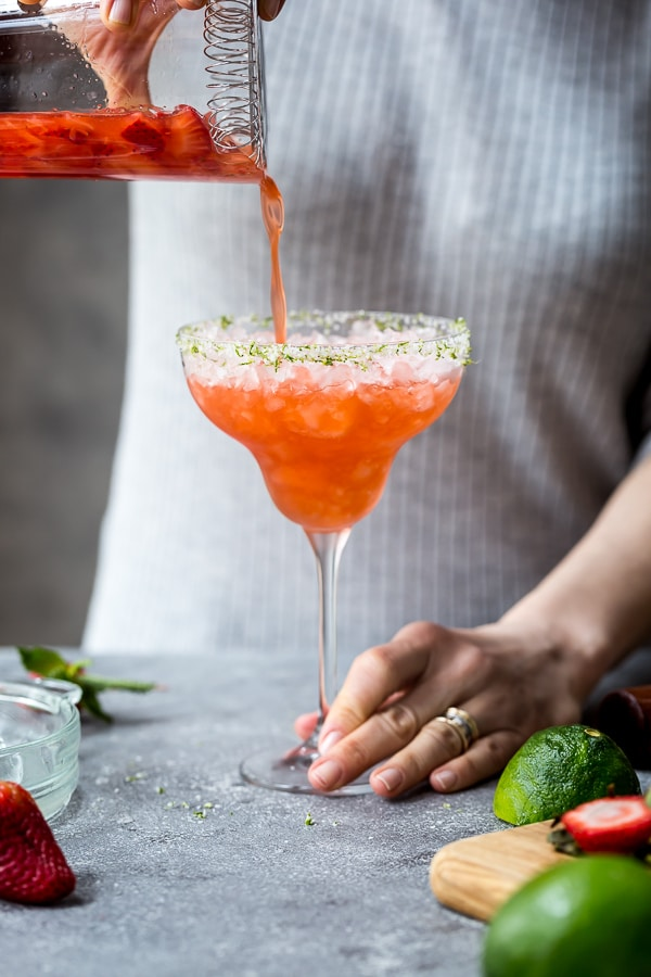 Take your margarita game to the next level with this Strawberry Champagne Margaritas: Step by step guide to how to make margaritas