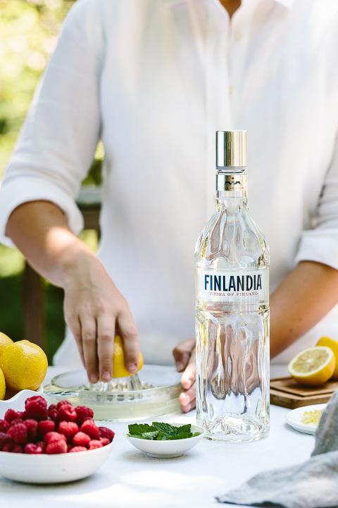 Raspberry Lemon Drop Martini: A refreshing cocktail recipe made with Finlandia vodka. #sponsored