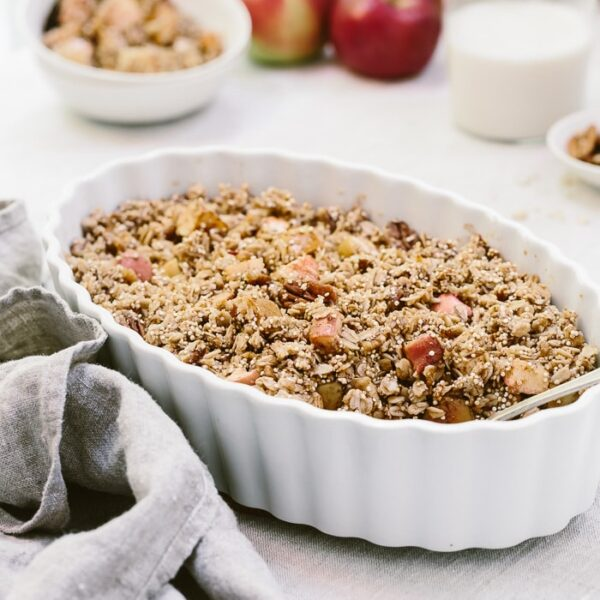 A healthier apple crumble recipe made with oats, quinoa, maple syrup and coconut oil.