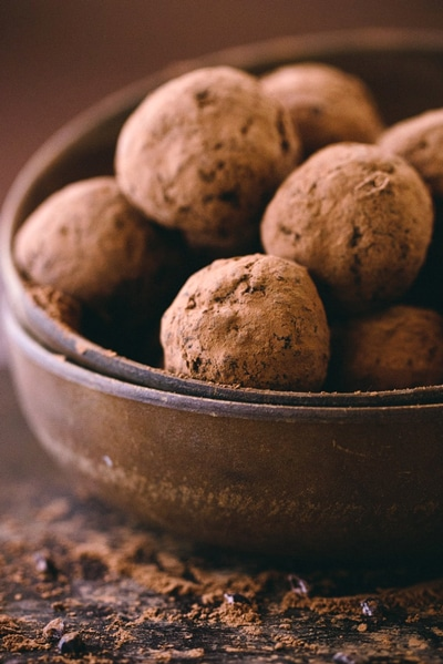 Vegan Cocoa Truffles - for healthy super bowl desserts recipe round up