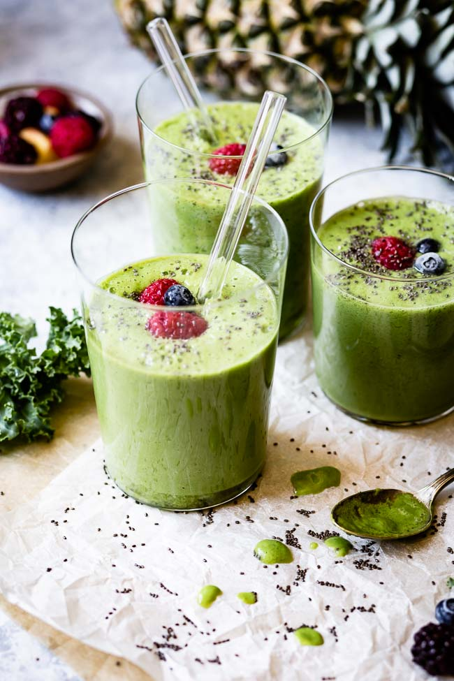 Kale Pineapple Smoothie for simple pantry meals