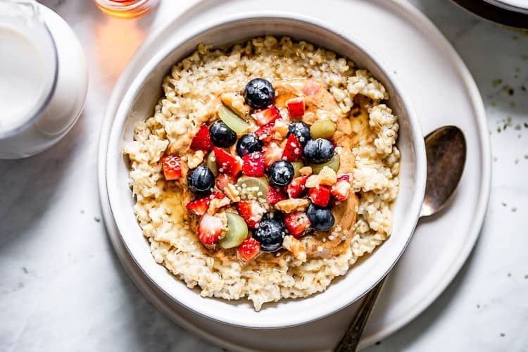 a bowl of overnight steel cut oats to represent breakfast recipes category