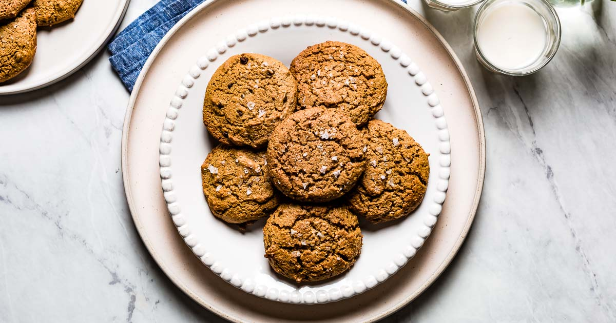 Cookies on a plate as a category image for my easy cookie recipes